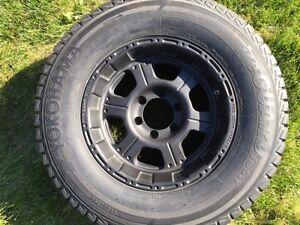 1 new Yokohama Ice Guard tire 265/70 R17 on Pro Comp 6 bolt rim Sarnia Sarnia Area image 1