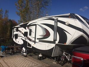 Roulotte Fifth Wheel    Chaparral   modele  271BHS  31 pieds