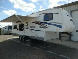 2007 Salem 5th wheel RV with Rear Kitchen