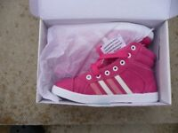 Milpie Baseball style boots size 36/ 4