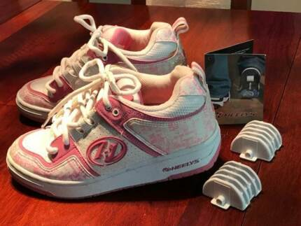 Heelys Skate Shoes as NEW, Girls size 5, Ladies size 6