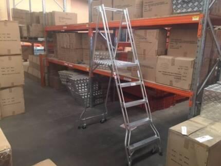 Platform Safety Ladder - 5 Steps