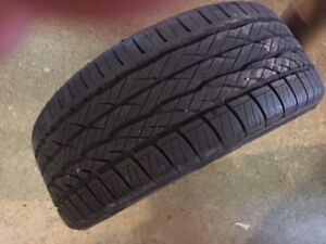1 very lightly used Dunlop Sport Signature Summer Tire