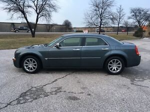 2006 Chrysler 300-Series Sedan Loaded with Low Kms