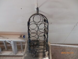 DECOR METAL WINE RACK