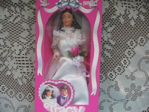1982 TRACY DOLL, BARBIE'S FRIEND, BRIDE DRESS, NRFB LOVELY