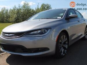 2016 Chrysler 200 S / HEATED STEERING WHEEL / LEATHER / REAR BAC