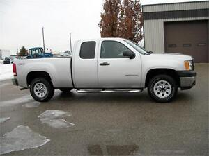 SOLD!!2010 GMC Sierra 1500 Ext. Cab 4x4 | SOLD!! Kitchener / Waterloo Kitchener Area image 3