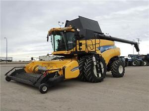 "2012 New Holland CR9090 ""Z"" Elevation Combine - Tier 3, 1022hrs"