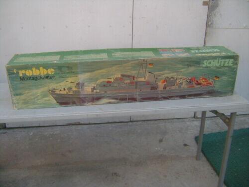 Robbe Montagekasten  SCHUTZE   Boat Kit with fittings Unbuilt