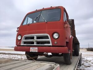 DIAMOND T CABOVER 1957 TRUCK