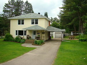 BRIGHT FAMILY HOME ON CORNER LOT  ID# 1034303