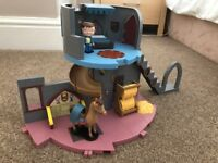 Mike the Knight Castle Set (includes horse)