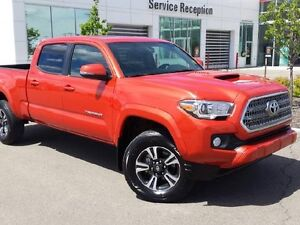 2016 Toyota Tacoma TRD Sport 4x4 Navi, Backup Cam, Sunroof and B