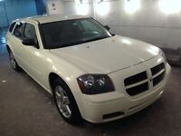 2005 DODGE MAGNUM SXT ( 4X4 ALL WHEEL DRIVE ) COULEUR BLANC