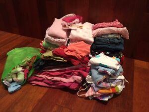 lot de 135 morceaux vêtements fille 0-12 mois