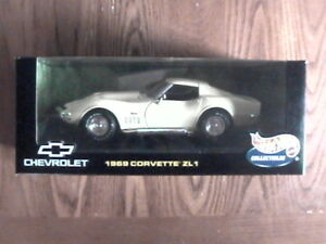 1/18 Hot Wheels Collectibles 1969 Corvette ZL1  427 T-top Coupe