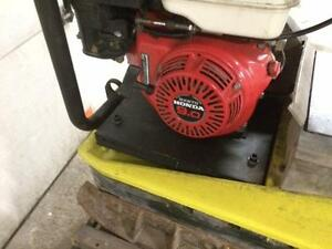 Wacker reversible plate tamper compactor 5045 with Honda engine. 90-day warranty.