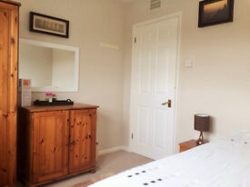 CONTRACTOR'S ACCOMMODATION £35 A NIGHT easy access to Reading/Maidenhead/Bracknell