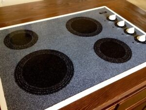 Whirlpool Ceramic Cooktop in Excellent Condition