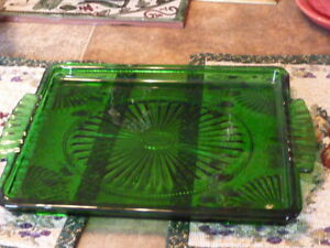 Lovely Vintage Dark Green Glass Sandwich/Cake Plate