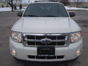 IMMACULATE !!! 2012 FORD ESCAPE London Ontario image 3