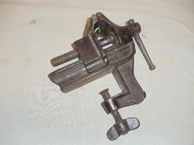 Vintage Psw Bench Vise W 2 Jaws 2 12 Opening Antique Usa Cast Iron Tool