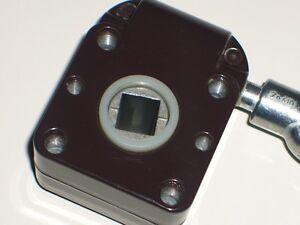 Markisengetriebe 7 1 ral 8019 braun getriebe f r markisen Antrieb fur markisen