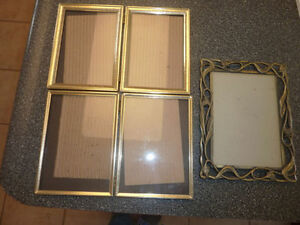 3 small metal photo frames $ 2 each, all for $ 5 Kitchener / Waterloo Kitchener Area image 1