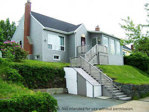 Charming 1.5 Story in Southdale overlooking Halifax Harbour!