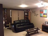 Big, Bright and Beautiful Basement Suite-All utilities included