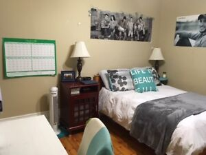 Attention Trent Students! Fabulous 2-bedroom apartment - May 1st