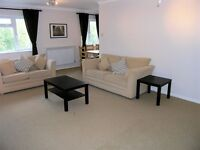 Superb 2 Double Bedroom Flat a Stones throw from Kingston Town Centre and Station !!!!