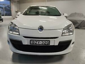 2011 Renault Megane X32 Dynamique White 6 Speed Manual Hatchback Mitchell Gungahlin Area Preview