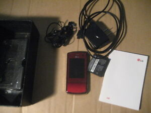 LG KF510 cellphone with camera, battery, ear phone, charger, cas