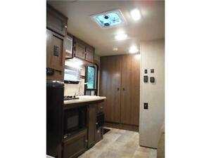 2015 Palomini 150RBS Ultra Lite Travel Trailer with Slideout Stratford Kitchener Area image 14