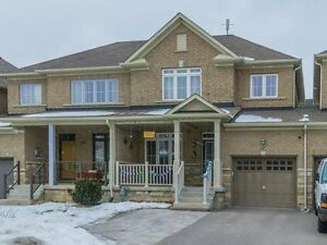 FREEHOLD 3-bed townhouse in RICHMOND HILL - York Region