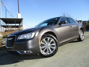 2017 Chrysler 300 Touring ALL WHEEL DRIVE (3.6L V6, NAVIGATION,