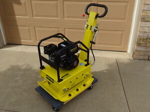 """REVERSIBLE PLATE COMPACTOR, 6.5HP GAS, 330LBS, 26"""" X 16"""" PLATE,"""