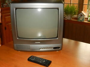 """Télévision couleur 14"""" Toschiba"""