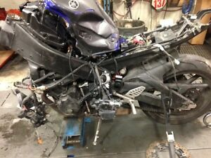 Parting Out 2006 Yamaha YZF 600 R6   RPM Cycle
