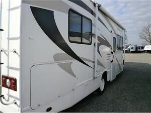2008 FOUR WINDS CHATEAU 28 W C CLASS WITH 63000 KMS! $33995! London Ontario image 5