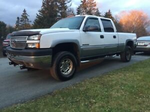 2005 Chevrolet Silverado 2500HD with plow! REDUCED
