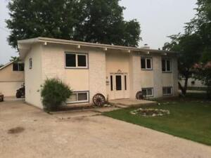Available Immediately  4 Bedroom Home in Charleswood on Vanscoy