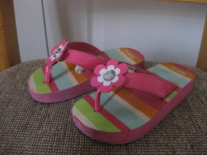 For sale: good condition girl's rubber sandals - size 9-10
