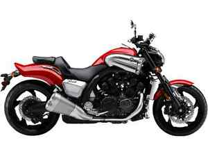 YAMAHA VMAX VIVID RED COCKTAIL 2017