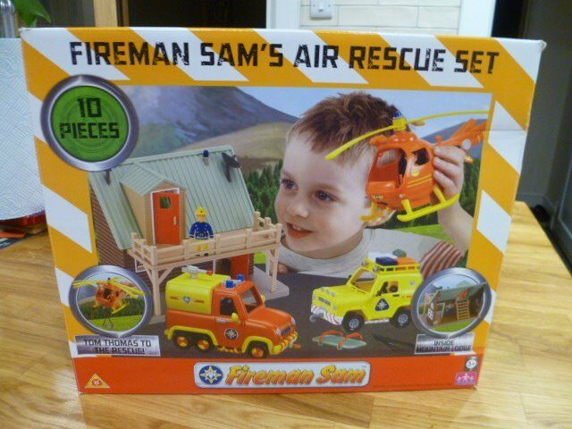 Fireman Sam Air Rescue Set - very good gondition. all 10 pieces complete with original box