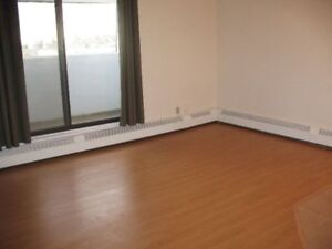LARGE 1 BED IN BANKVIEW, SW - MOVE IN RIGHT AWAY!