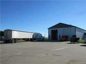 Commercial building on 3.53 acres on Hwy 21 bordering Hamiota MB