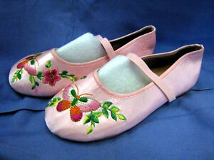 * Girl's embroidered shoe & Girls Sandals *